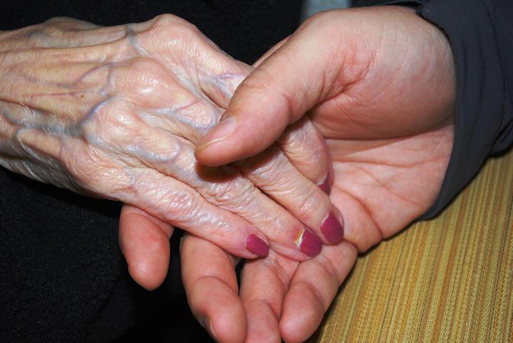 nursing-home-hands